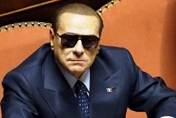 Berlusconi con gli occhiali neri2