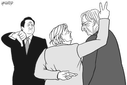 Juncker, merkel incrocia le dita, cameron pollice verso